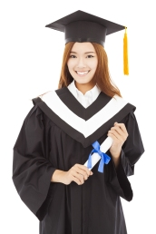 Japanese graduate woman shutterstock_199927376